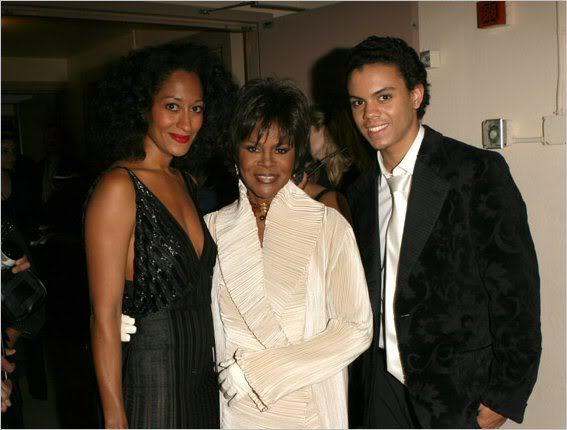 Diana Ross y su hijo rinden homenaje a Michael La1