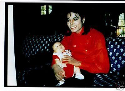 Raridades: Somente fotos RARAS de Michael Jackson. - Página 3 BWFdLuwBGkKGrHgoOKjsEjlLmWUfiBKVvRw
