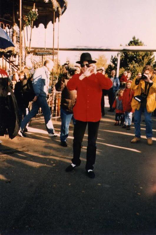 Raridades: Somente fotos RARAS de Michael Jackson. - Página 3 L_2f377d19d6b29d3c3dbe9537a2caf48a