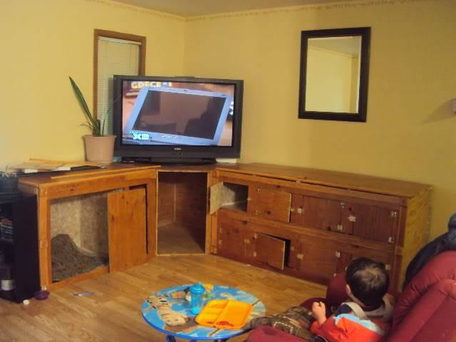 Kennel/Pup pen/Tv cabinet(s) combo Buildcab1