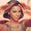 Hí hí, ảnh tớ chộp được của lớp mình nè :x Hands_Up_Beyonce