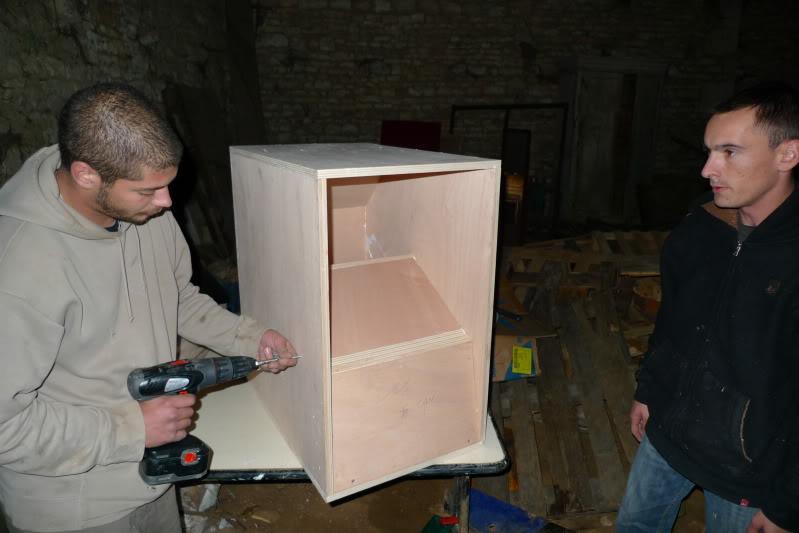 fabrication de nos caissons. Black Bedroom Furniture Sets. Home Design Ideas
