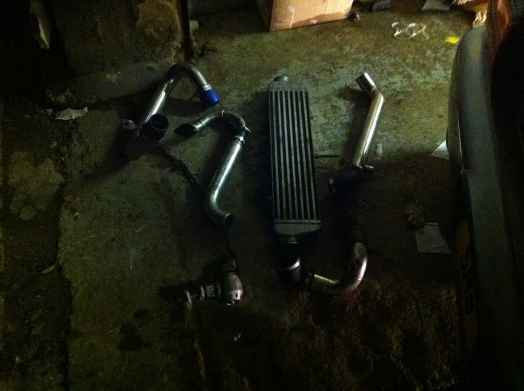 Intercooler kit with short hotside pipe Cad635d8