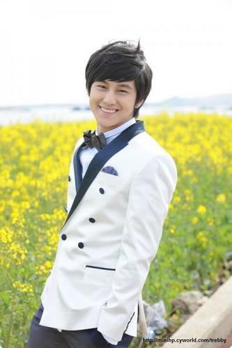 معلومآت عن الممثل الكوري Kim Bum الحآصل علي لقب آجمل ششاب في العالم 3565707603_347a7fb381