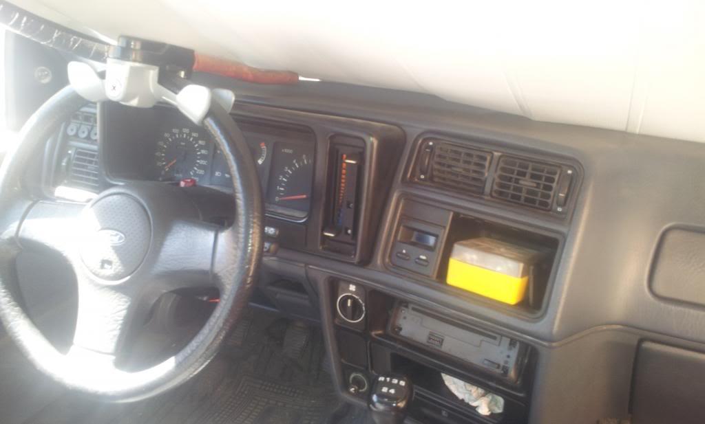 [Vendo] Ford Sierra 2.0i S - '89 2012-10-08145456_zpsf95c82ea