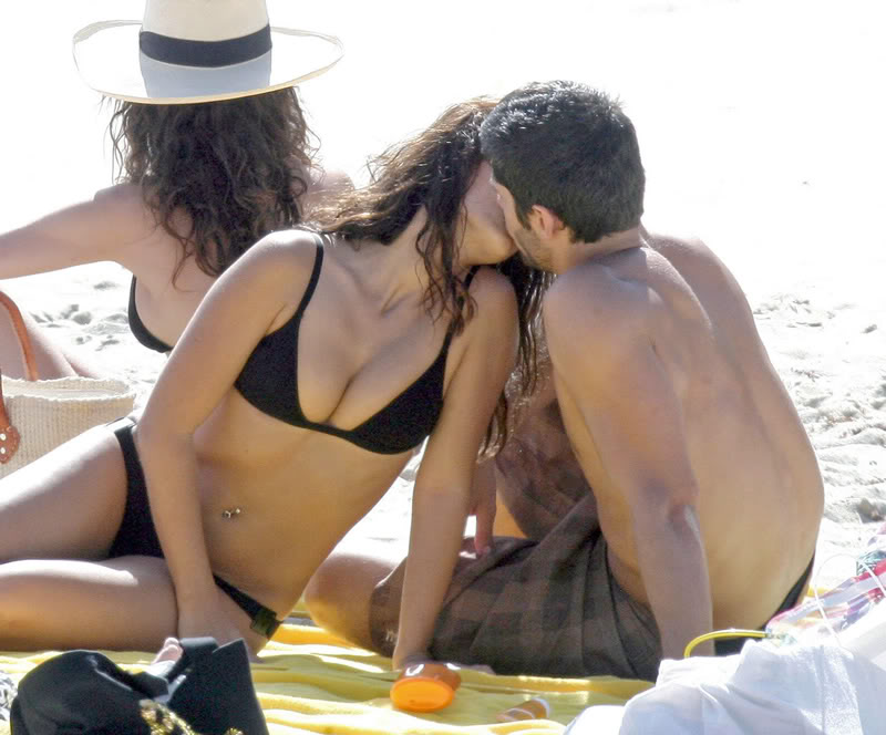 Monica Cruz looks damn Hot on Beach Gallery_enlarged-monica-cruz-bik-10