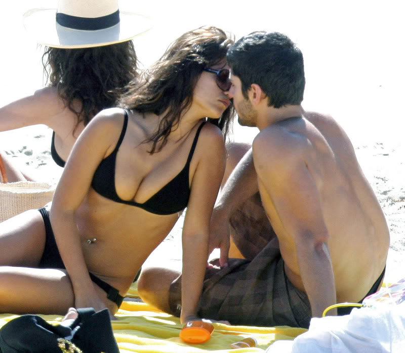 Monica Cruz looks damn Hot on Beach Gallery_enlarged-monica-cruz-bik-9