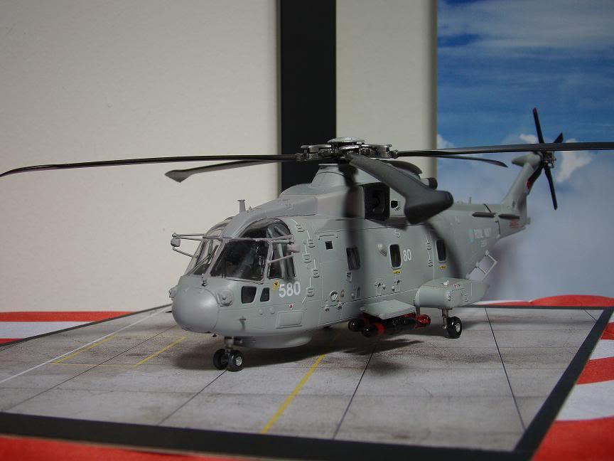 1/72 Merlin HMA.1 UNTUK DIBIDA / DIJUAL DSC02492