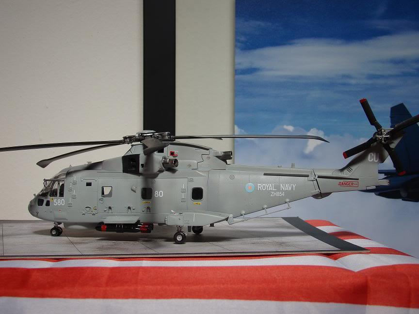1/72 Merlin HMA.1 UNTUK DIBIDA / DIJUAL DSC02493