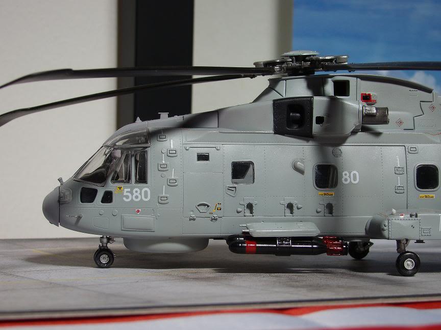 1/72 Merlin HMA.1 UNTUK DIBIDA / DIJUAL DSC02494