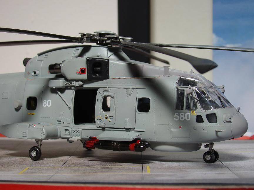 1/72 Merlin HMA.1 UNTUK DIBIDA / DIJUAL DSC02495