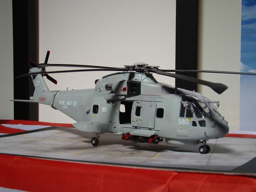 1/72 Merlin HMA.1 UNTUK DIBIDA / DIJUAL DSC02496