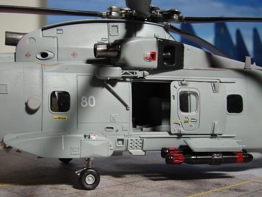 1/72 Merlin HMA.1 UNTUK DIBIDA / DIJUAL DSC02497