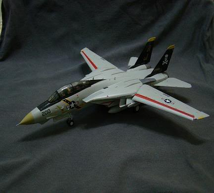 1:72 Scale Aircraft Model (Kits and Diecast) DSC02641-a
