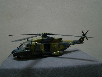 1:72 Scale Aircraft Model (Kits and Diecast) - Page 7 DSC02696