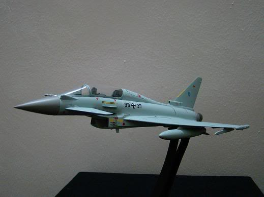 1:72 Scale Aircraft Model (Kits and Diecast) DSC02877