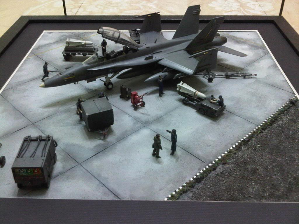 1:72 Scale Aircraft Model (Kits and Diecast) - Page 8 IMG00278-20101021-1902