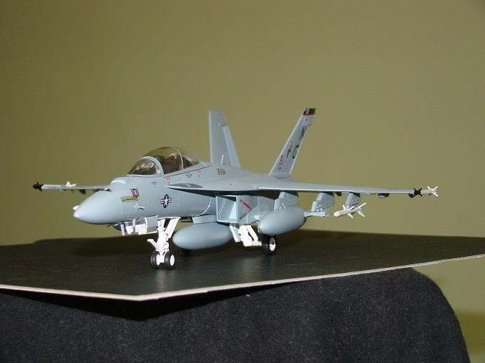 1:72 Scale Aircraft Model (Kits and Diecast) Hornet1