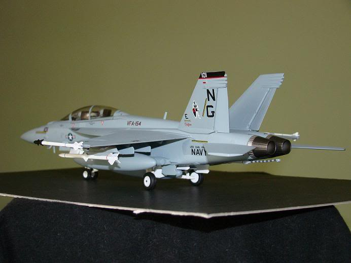 1:72 Scale Aircraft Model (Kits and Diecast) Hornet3