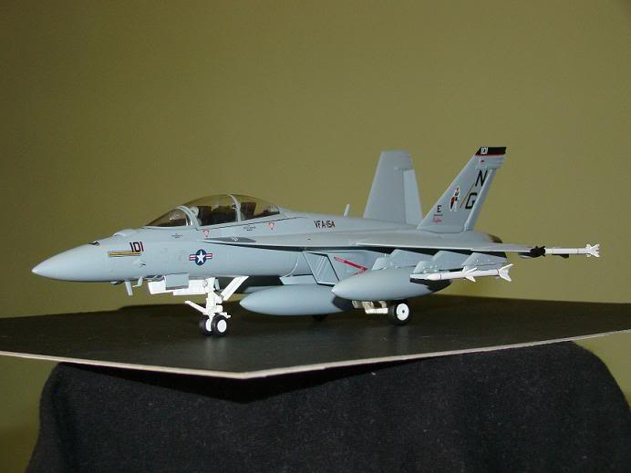 1:72 Scale Aircraft Model (Kits and Diecast) Hornet4