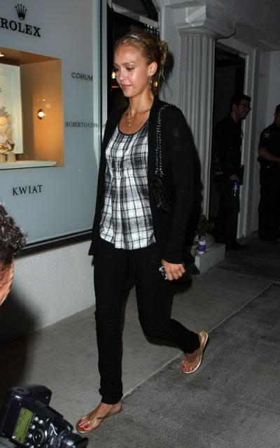 Jessica Alba: Nobu Night Out In L.A Jessica-alba-7109-11preview