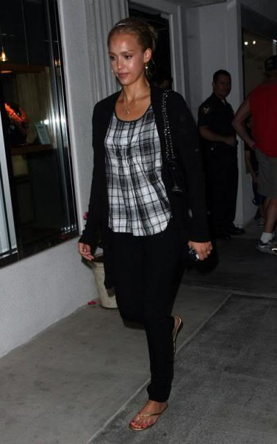 Jessica Alba: Nobu Night Out In L.A Jessica-alba-7109-12preview