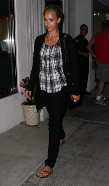Jessica Alba: Nobu Night Out In L.A Jessica-alba-7109-2preview