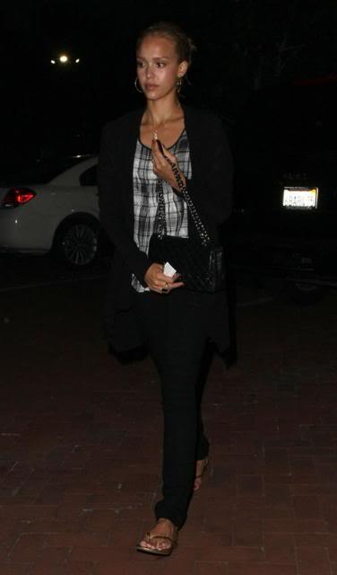 Jessica Alba: Nobu Night Out In L.A Jessica-alba-7109-5preview