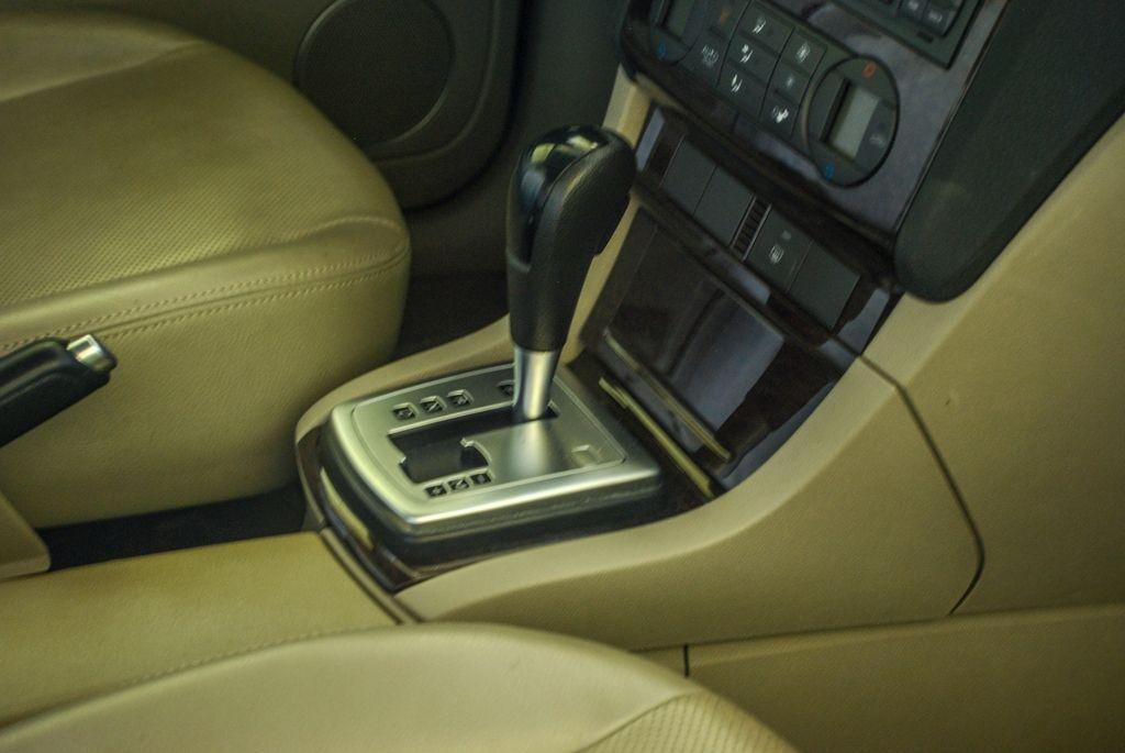 For Sale: FORD FOCUS 2006 GHIA 1.8L Sedan DSC_1845
