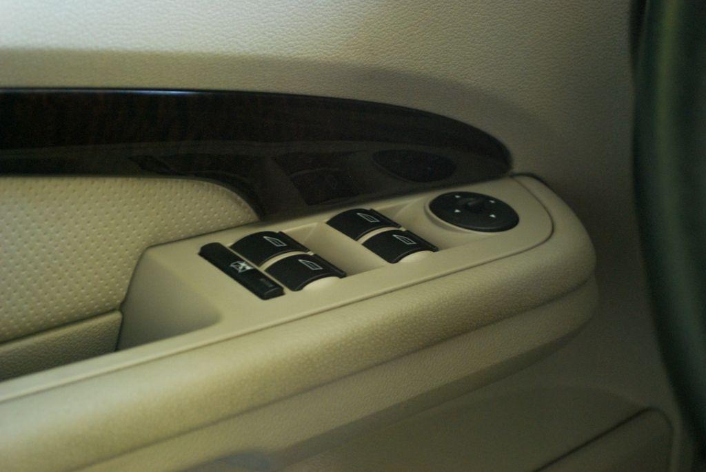 For Sale: FORD FOCUS 2006 GHIA 1.8L Sedan DSC_1849
