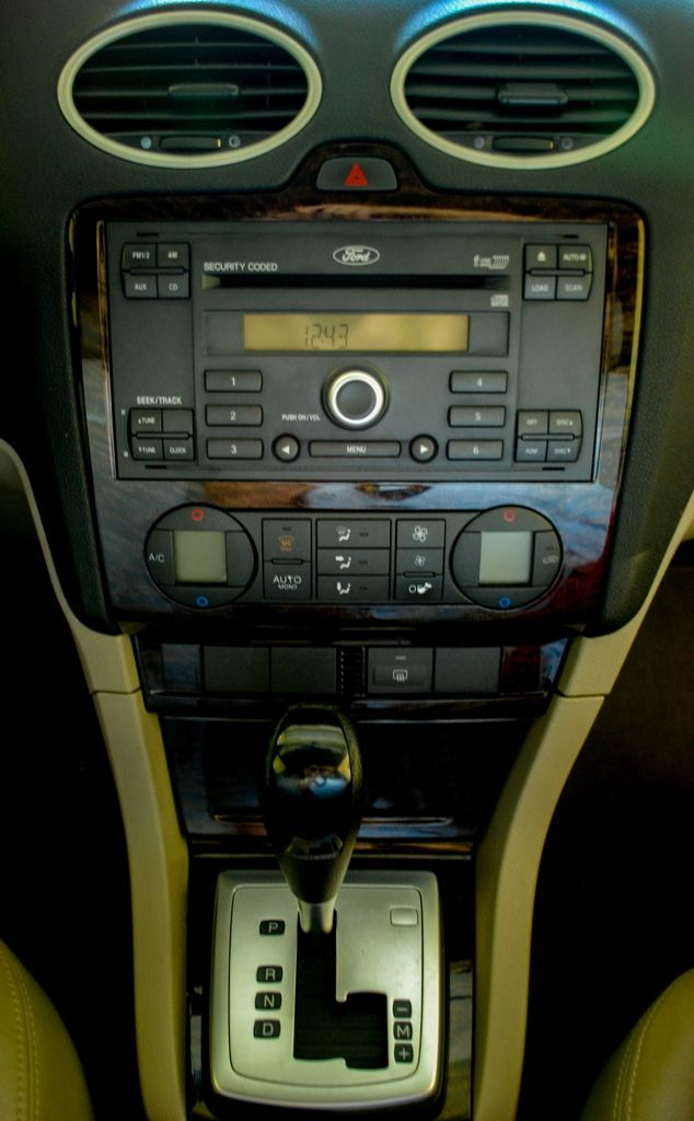 For Sale: FORD FOCUS 2006 GHIA 1.8L Sedan DSC_1850