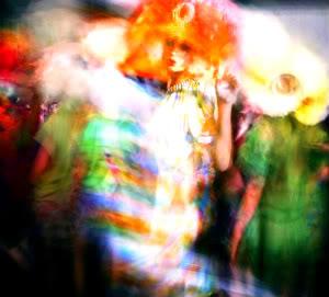 Shprehni ndjenjat e momentit me 1 foto.. - Faqe 3 MarkLeibowitz-BackstageatGallian-1