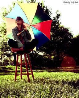 Shprehni ndjenjat e momentit me 1 foto.. - Faqe 6 Waiting_for_the_Rain_by_PiratePengu