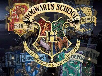 Colegio Hogwarts de Magia y Hechicer - Portal Escudo2