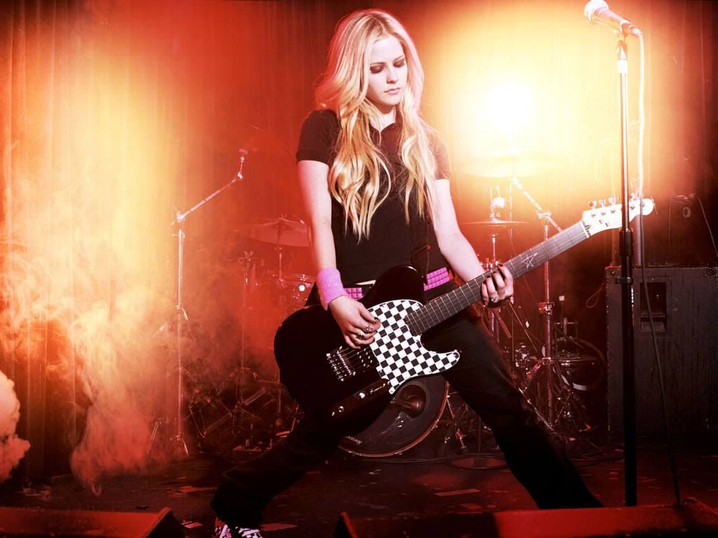 fotos tis theas!!! Avril-lavigne-218