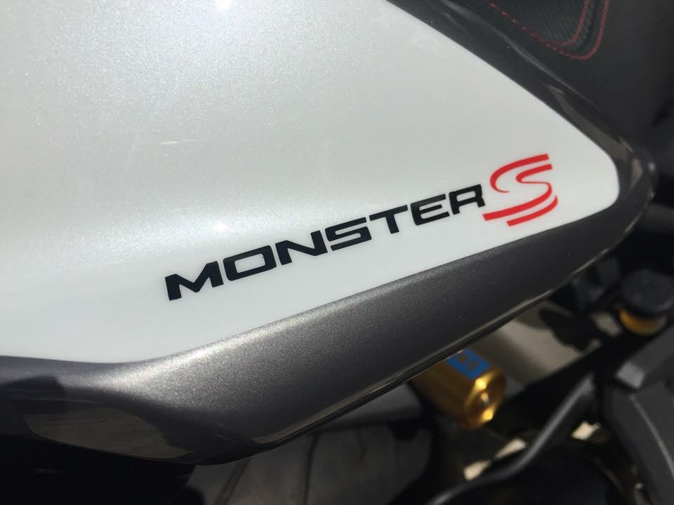 MONSTER 1200S EDITION LIMITED Nº1 SENNA (SANS SUITE) B3DE2073-0199-4B16-9741-68C749656114_zps3raybmga