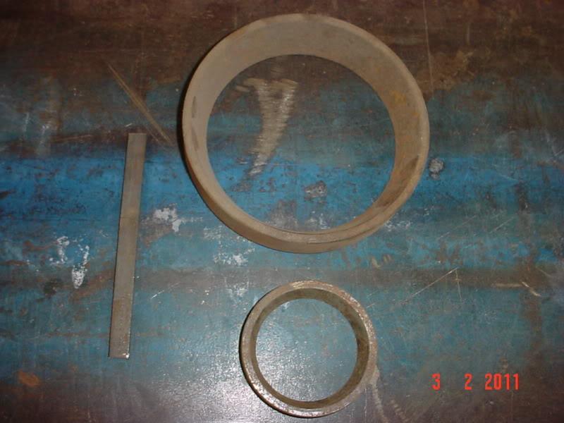 """Doblado de un plano de 1/8"""" x 1/2"""" de canto, con martillo y una base cóncava DSC07053"""