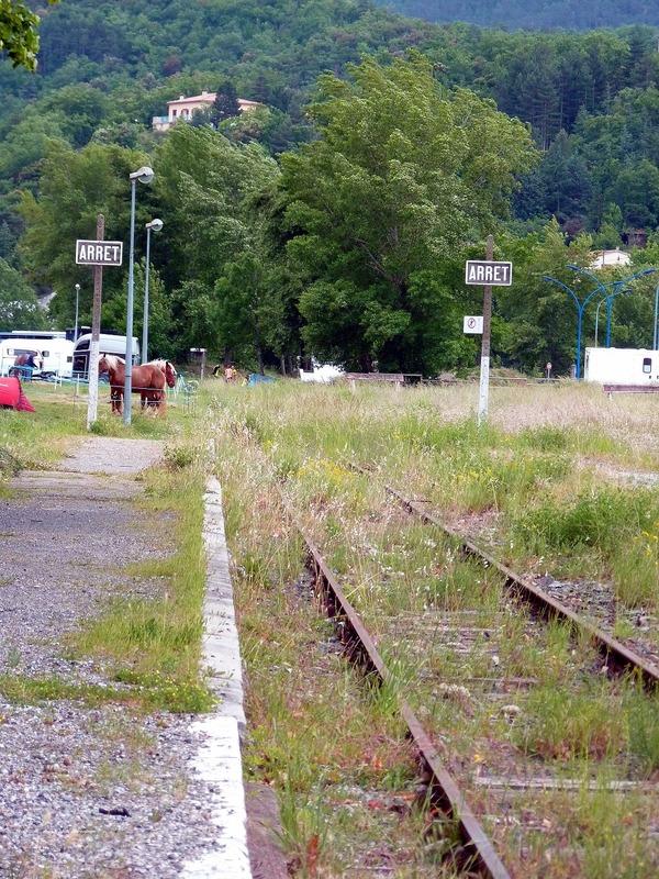 Le Train de l'Aude de l'AP2800 - Page 1 P1070752r_zpskvhuquoz