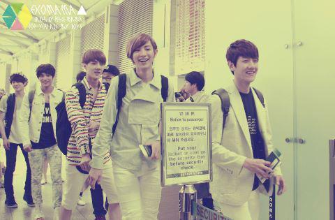 [Photo][21.06.12] Baekhyun went London for MBC Kpop Concert 401819_381097785283733_597654321_n