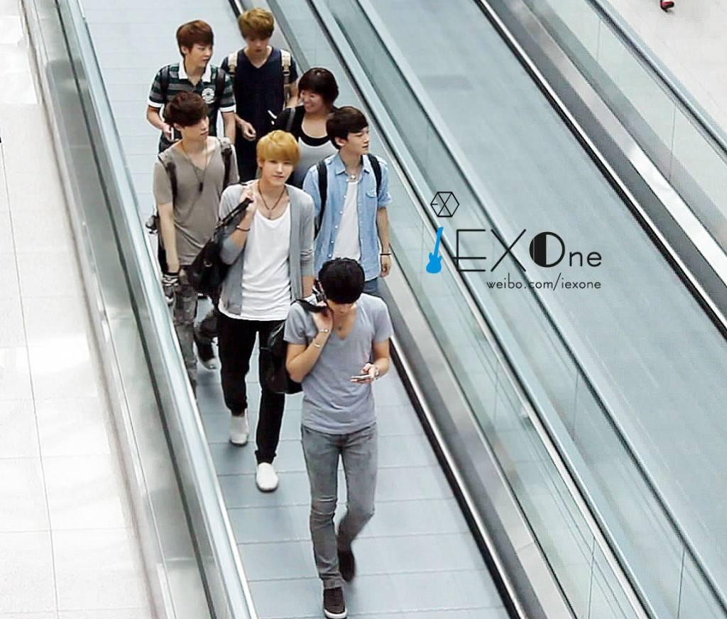 [FANTAKEN][120608] EXO-M @ Incheon Airport IbrAnq1nSmL1yg