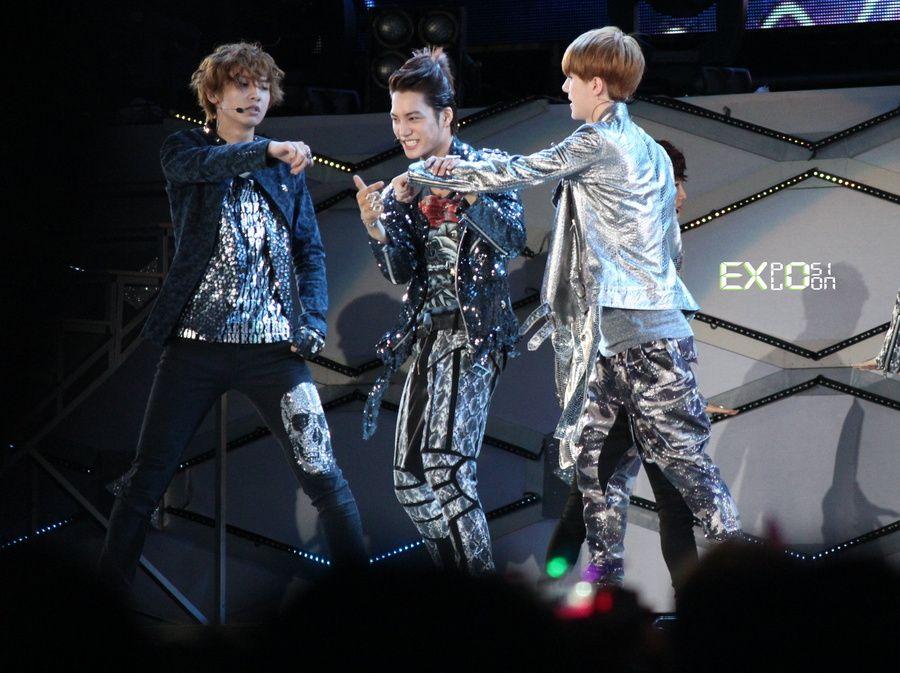 [FANTAKEN][120609] EXO at SMTOWN Taiwan JVOEt86sx6vNS