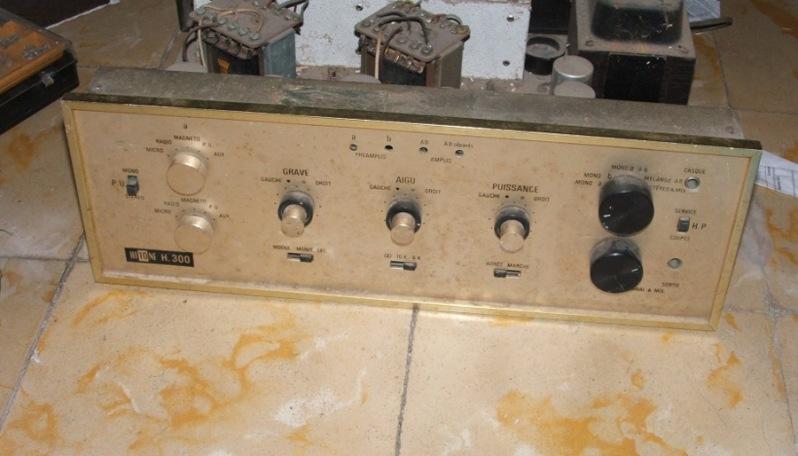 Amplificador a válvulas Hi-Tone H300 Hitone1