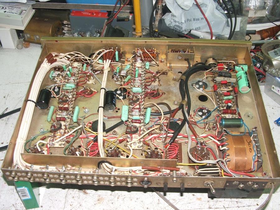 Amplificador a válvulas Hi-Tone H300 Hitone11