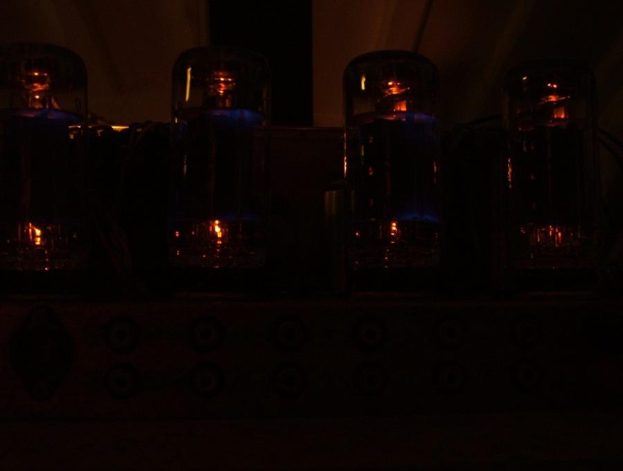 Amplificador a válvulas Hi-Tone H300 Hitone13_zps87a4185c