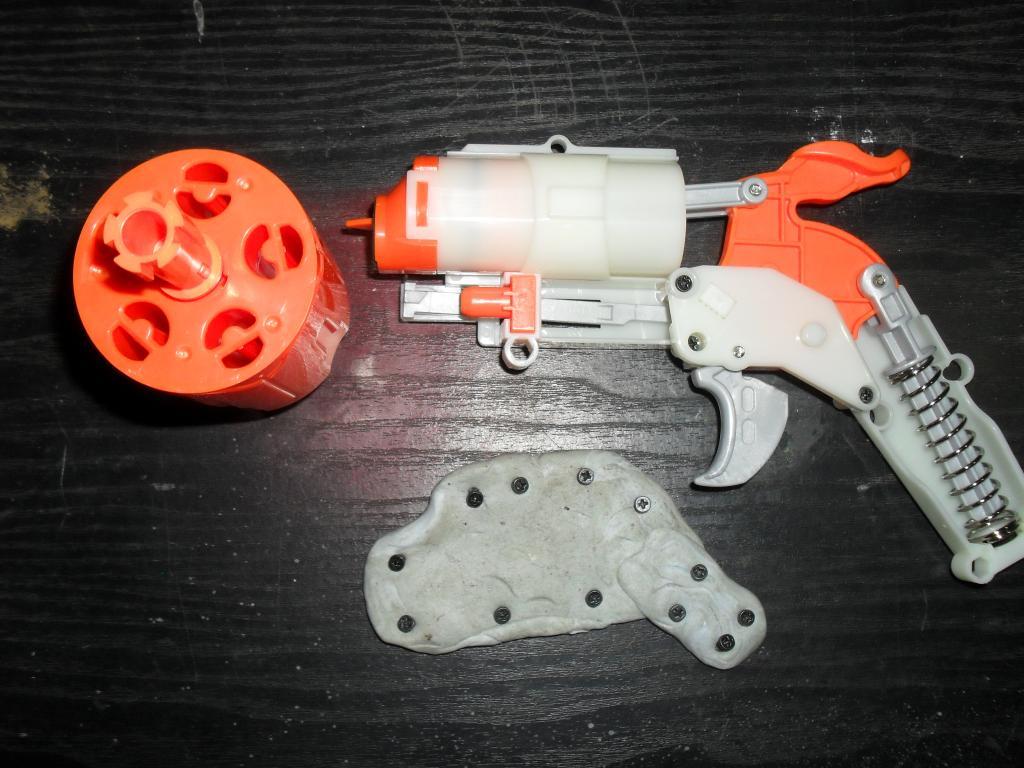 Nerf Hammershot Internals SDC13636