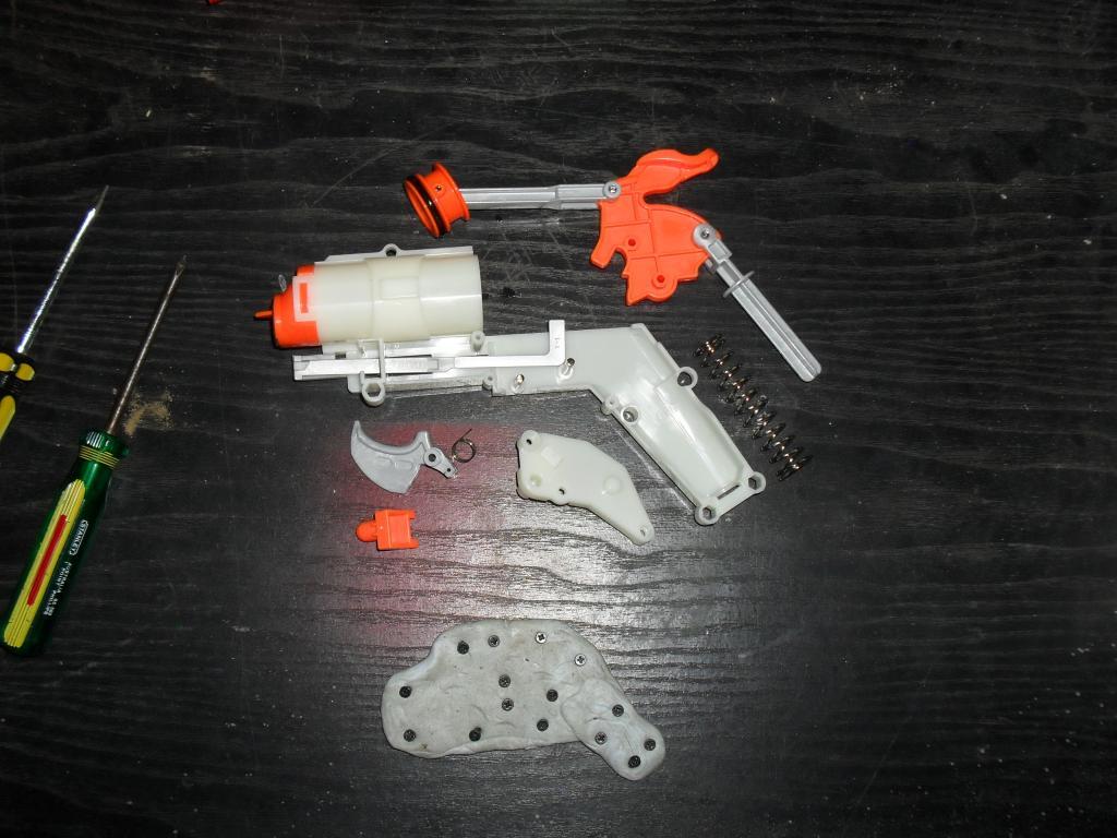 Nerf Hammershot Internals SDC13652