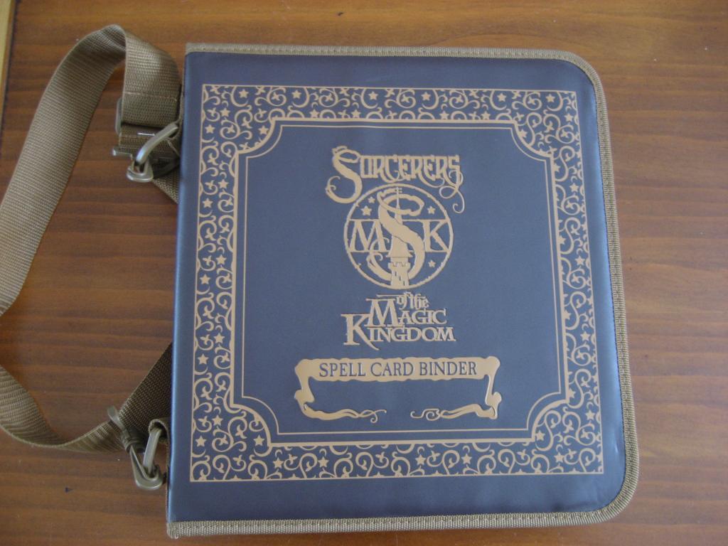 Enfin un cartable pour les cartes Sorcerer of Magic Kingdom Disneyfeacutevrier2013081_zps6790bdcb