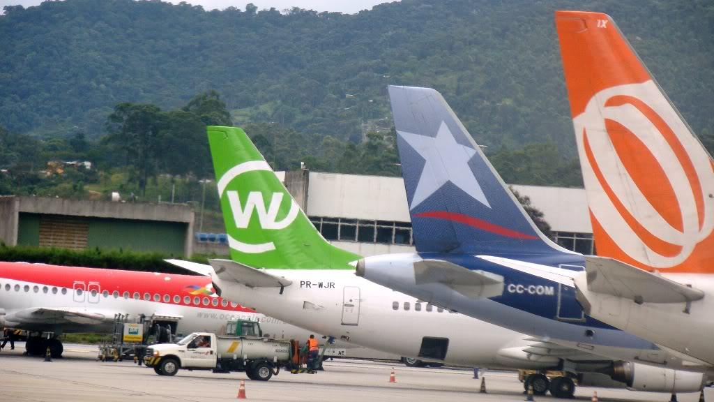 Em alguns aeroportos Caudas_aereas