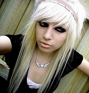 posted a pic of yourself -Emo-Girl-emo-girls-7096700-600-800