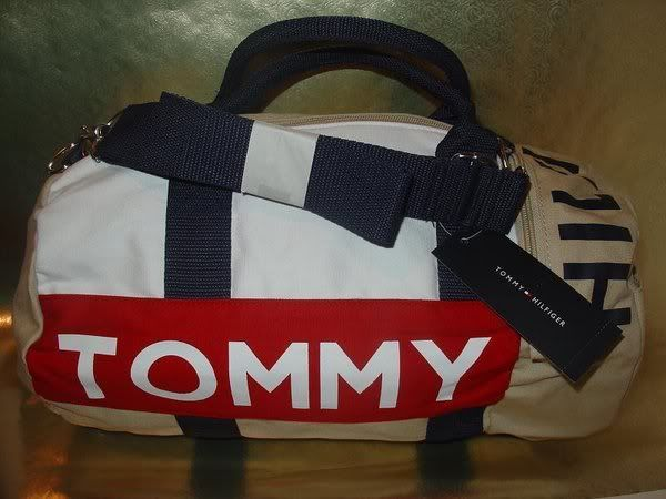 SELLING: ORIGINAL BRANDED BAGS AND WALLETS TOMMYHILFIGERGYMBAGB7php2150